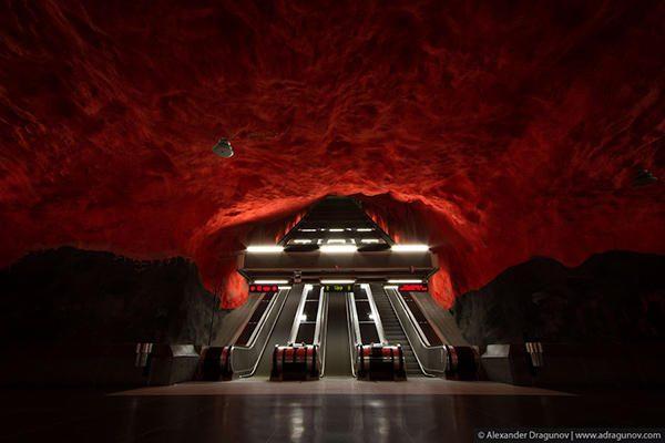 Vienas gražiausių ir švariausių metro pasaulyje