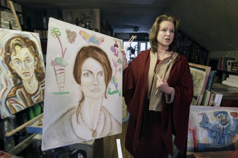 Tapančios advokatės portretuose atgyja žinomi žmonės