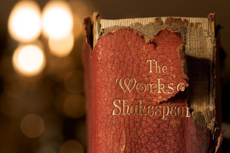 Mokslininkai aiškinasi, ar parašas – W. Shakespeare`o
