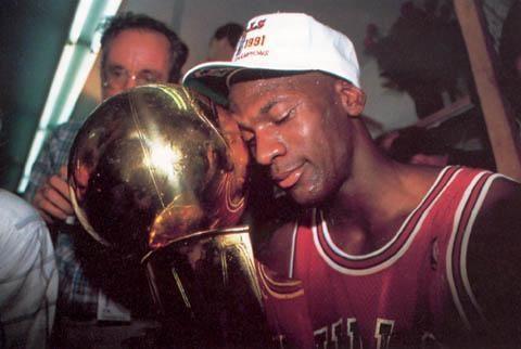 Istorinis įvykis: M.Jordano trečiasis sugrįžimas į didįjį krepšinį