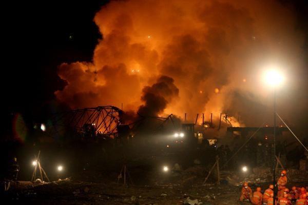 Pakistane prie policijos būstinės sprogus bombai, žuvo 16 žmonių