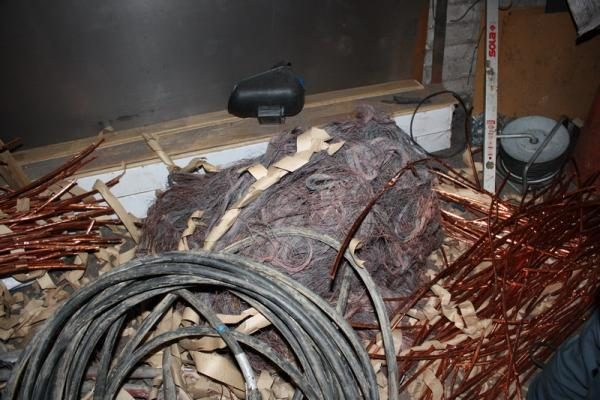 Nelegalioje supirktuvėje rasta 2 tonos metalo