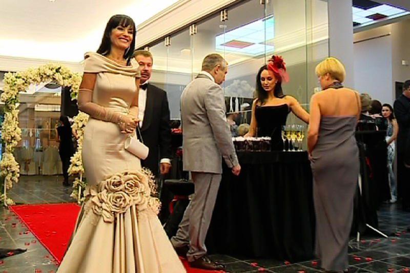 Advokatė pribloškė J.Statkevičiaus suknia už 12 tūkst. litų