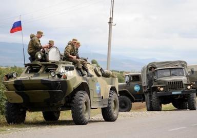 Į Pietų Osetiją atvažiavo rusų tankai (video)