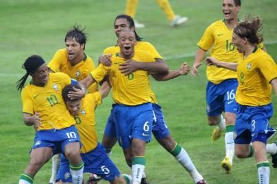 Prasidėjo futbolo varžybos