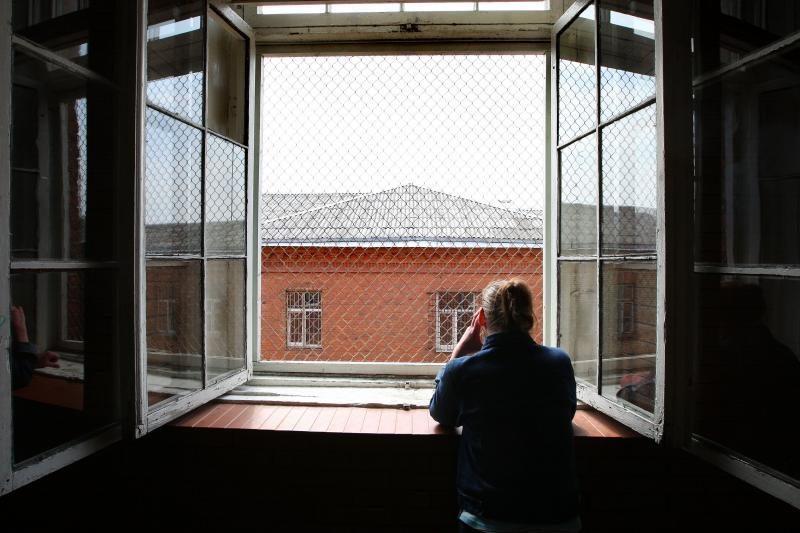Telefoninius sukčius tikisi pažaboti kalėjimuose blokuojant ryšį