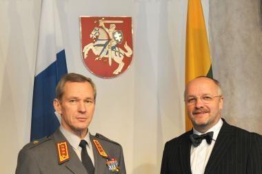 Lietuvoje lankosi įtakingas Suomijos kariškis