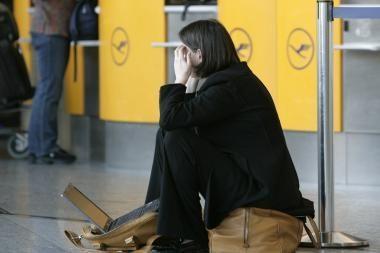 Vokietija dėl vulkaninių pelenų uždarė 11 oro uostų