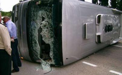 Kirgizijoje avarijoje žuvo 10 turistų