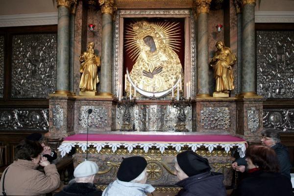 Kardinolas nesureikšmina Aušros Vartų restauravimo klaidų