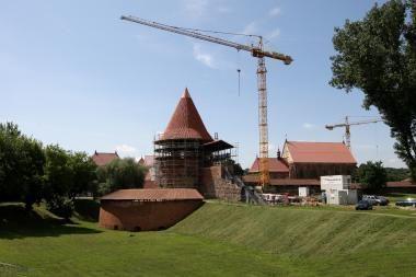 Į Kauno pilies atstatymą žiūriu ašarodamas