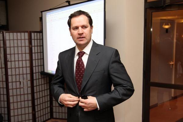 Lenkų rinkimų akcijos vadovas nepritaria euro įvedimui 2015 metais