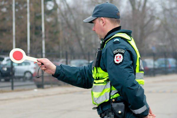 Per tris valandas Vilniuje sulaikyti keturi neblaivūs vairuotojai
