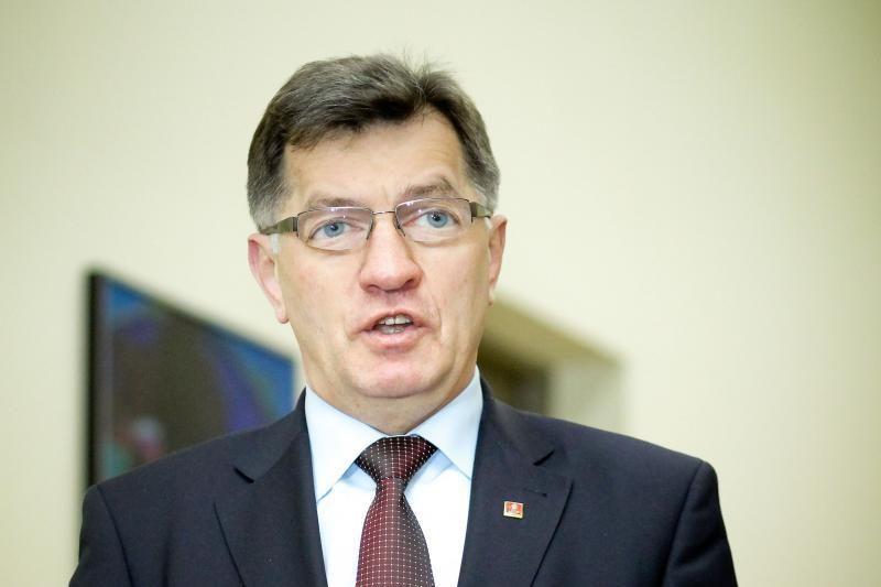 Premjeras: finansų krizę sukėlė ne euras, o neskaidri bankų veikla