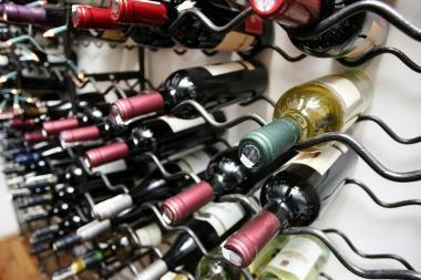 Seimas spręs, ar keisti prekybos alkoholiu naktį tvarką