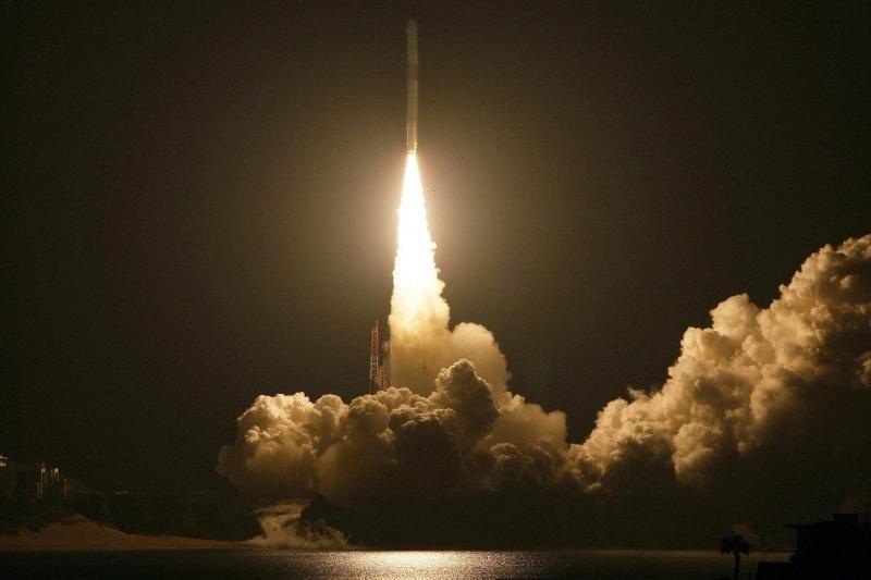 Japonija pirmąkart iškėlė į orbitą palydovą komerciniais pagrindais