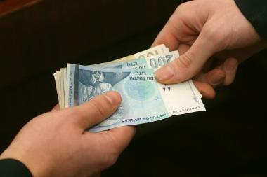 Teismas: dėl korupcijos nuteisti 44 asmenys