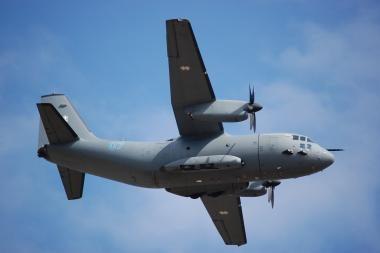 Skirs lėktuvą NATO oro policijos misiją atliekantiems kariams perdislokuoti