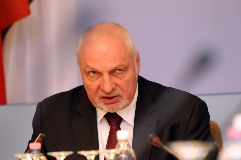 V. Mazuronis: daugiabučių renovacijos darbus privalu apdrausti