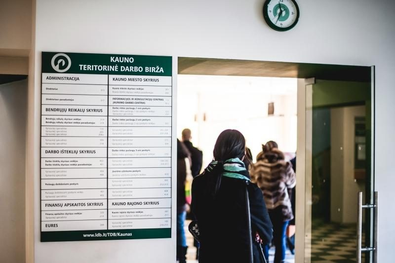 Pernai bedarbių Lietuvoje buvo mažiau nei 2011 metais