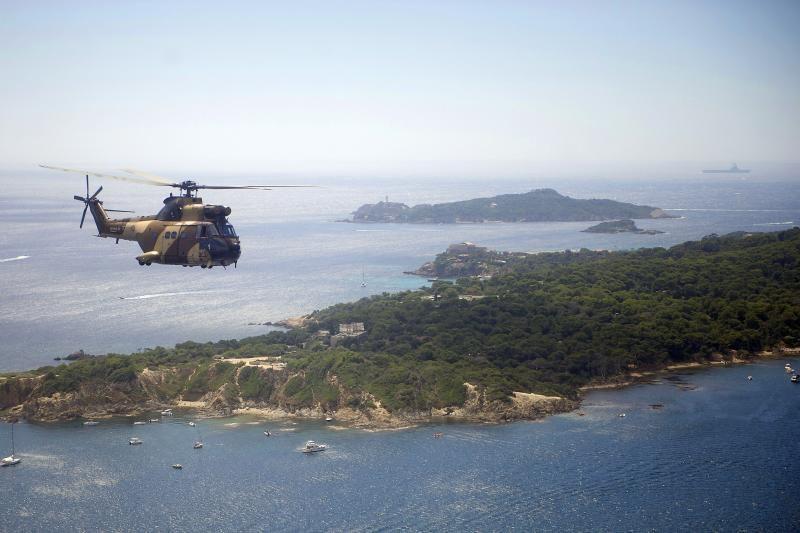 Susidūrus dviem karo sraigtasparniams žuvo 7 jūrų pėstininkai