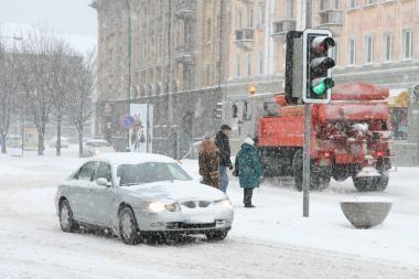 Eismo sąlygos: pajūryje ėmė snigti