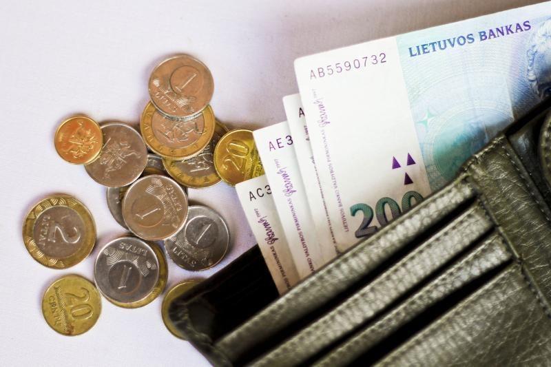 Sukčiai siautėja: apgauti senoliai prarado tūkstantines santaupas