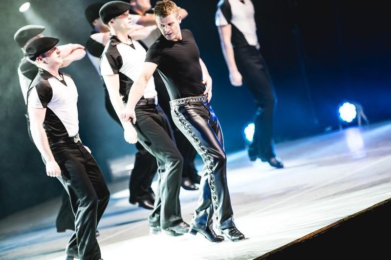 """Kauniečių kraują kaitino """"Lord Of The Dance"""" šokėjai"""