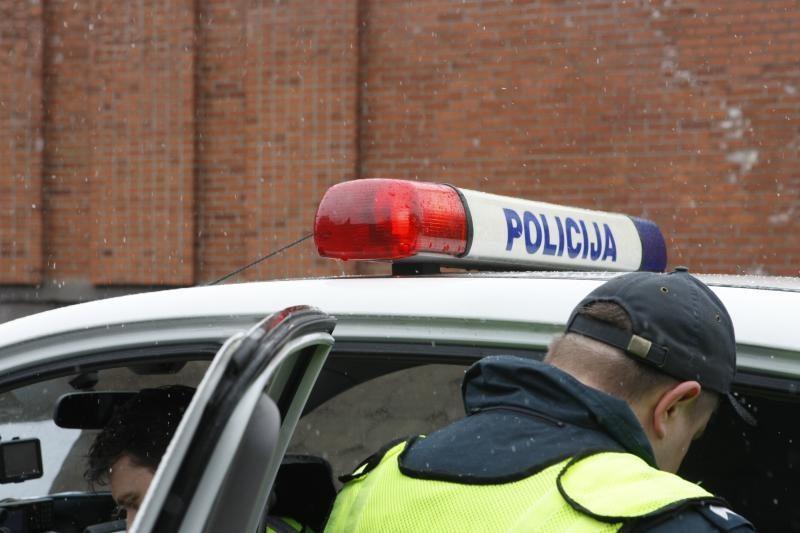 Girtas klaipėdietis vairuotojas patrulius gąsdino įtakingais asmenimis