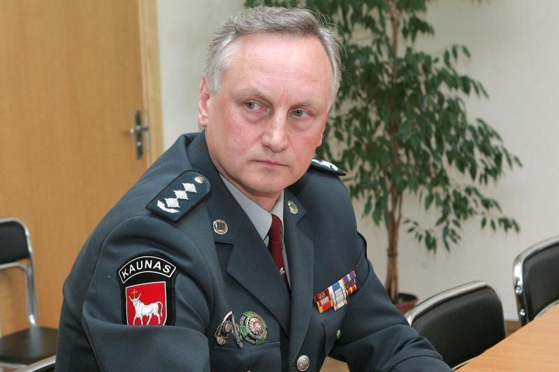 Kauno policijos vadovą apstumdžiusi žurnalistė gali sulaukti pylos