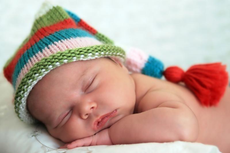 Blogos naujienos tėčiams: kūdikiai su mamomis turėtų miegoti iki 3 m.