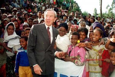 JAV mirė buvęs valstybės sekretorius Warrenas Christopheris