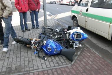 Klaipėdoje motociklininkas rėžėsi į BMW