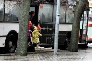 Autobuso durys prispaudė mažametei ranką