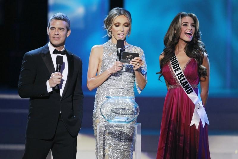 """""""Mis JAV 2012"""" tapo 20-metė violončelininkė iš Rod Ailendo"""