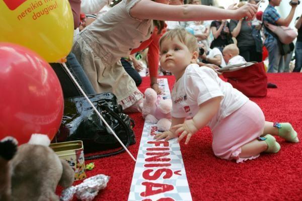 Mažylių lenktynes laimėjo ropojimo profesionalas