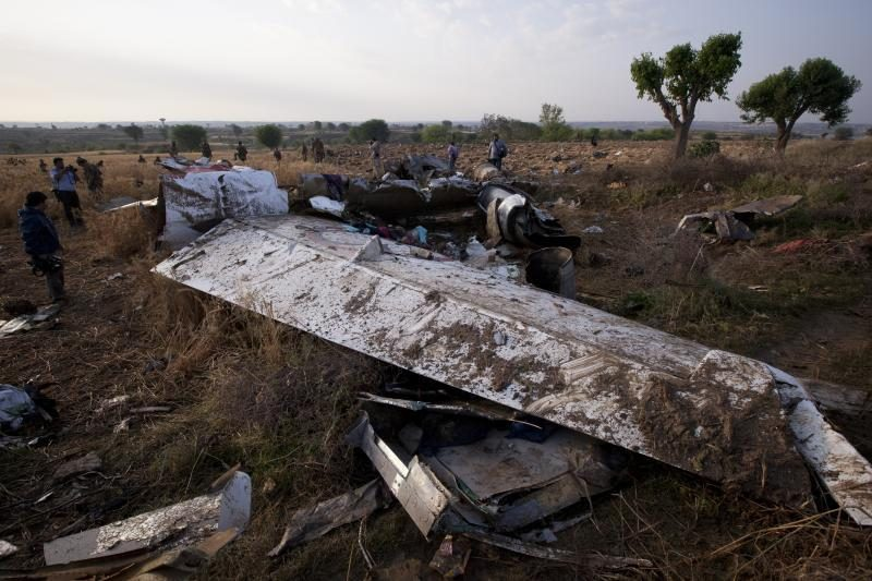 Visi 127 skridusieji Pakistano lėktuvu žuvo