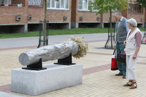 M.Mažvydo alėjoje – originalios skulptūros