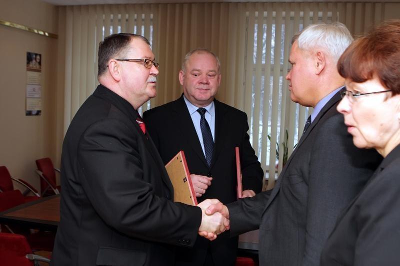 Buvusiems pareigūnams - savivaldybės valdininkės darbo pasiūlymas