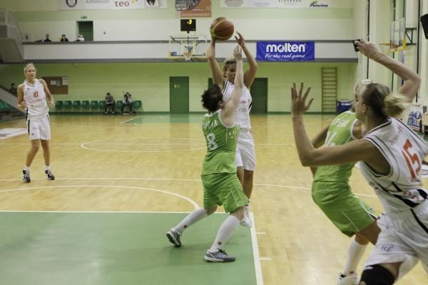 LMKL pusfinalio serija pergale pradėjo