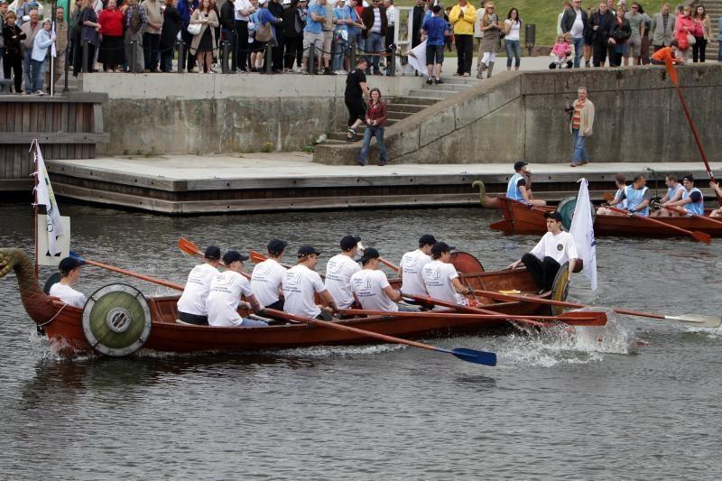 """Jūros šventę paįvairins tradicinės """"Drakonų"""" laivų lenktynės Danės upe"""