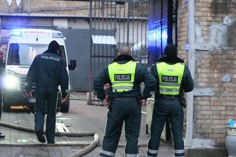 Lukiškių kalėjime tarnybos metu sulaikytas pareigūnas