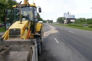 Traktorius užteršė Klaipėdos gatves
