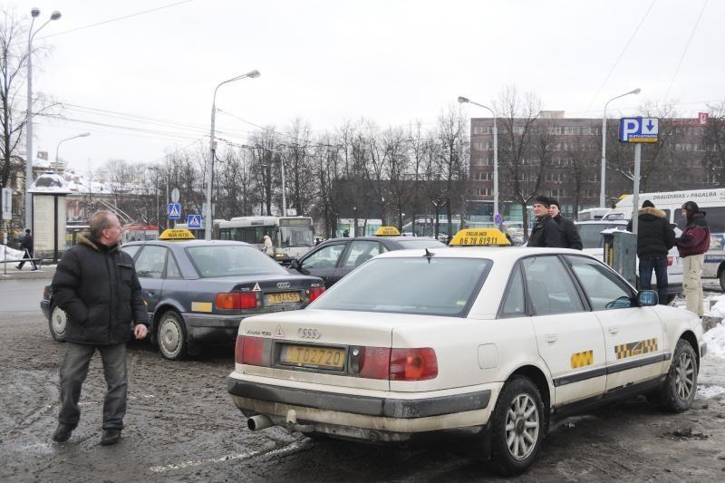 Vilniaus valdžia naujai taksi įmonei nori atseikėti 500 tūkst. litų