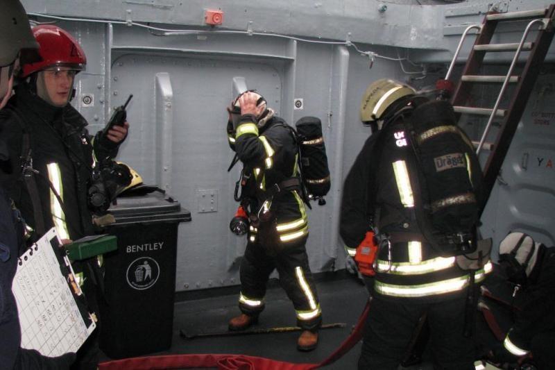 Karinių jūrų pajėgų laive - netikras gaisras