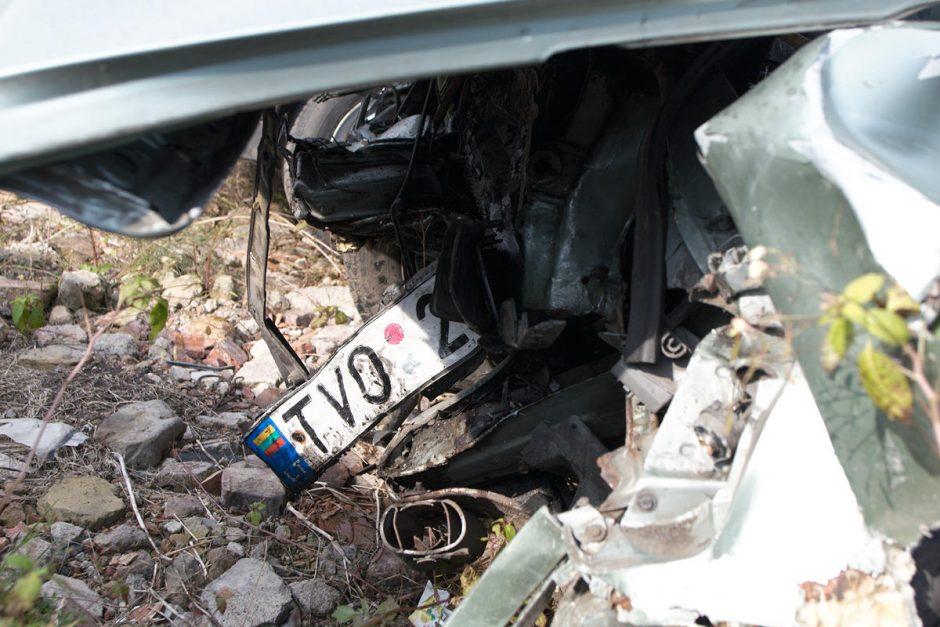 Per girto vairuotojo sukeltą avariją  nukentėjo kalėjimo darbuotojai