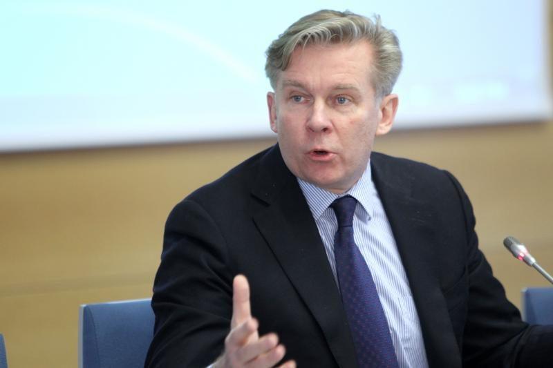 A.Ažubalis siūlo kurti alternatyvų Minskui galios centrą
