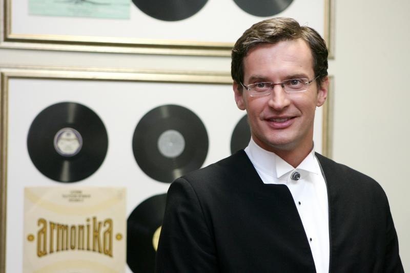 Vėl prisidirbo: dirigentui M. Pitrėnui laikinai atimta teisė vairuoti