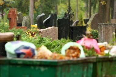 Iš Kauno kapinių bus papildomai vežamos atliekos
