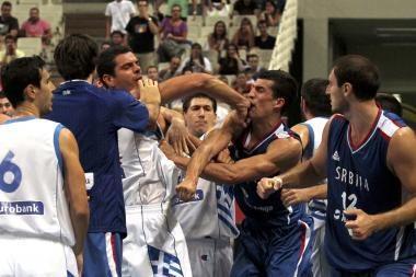 Draugiškos rungtynės tarp Serbijos ir Graikijos virto muštynėmis